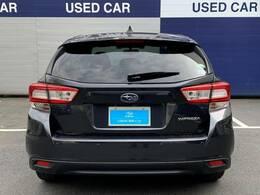 後退時ブレーキアシスト。後退時 車体後部に装着されたソナーセンサーが障害物を検知。衝突の危険がある場合はブレーキをかけ 衝突回避または被害を軽減します。