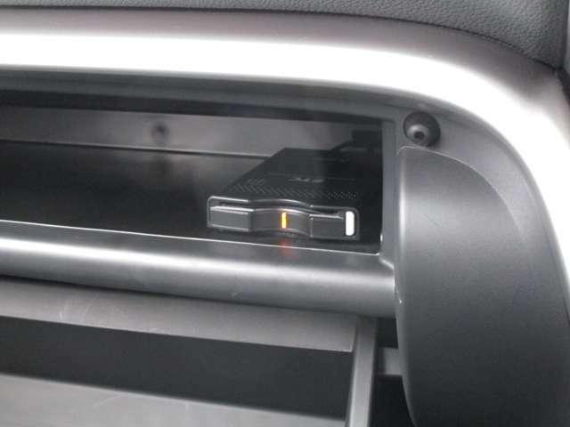 高速料金の支払いもノンストップで走行可能 ETC車載器