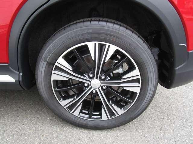 純正アルミ タイヤサイズは、225/55R18