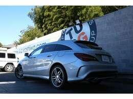 メルセデスの人気ステーションワゴン! CLA180 シューティングブレーク スポーツ入庫です!外装にはポーラーシルバーを配色!