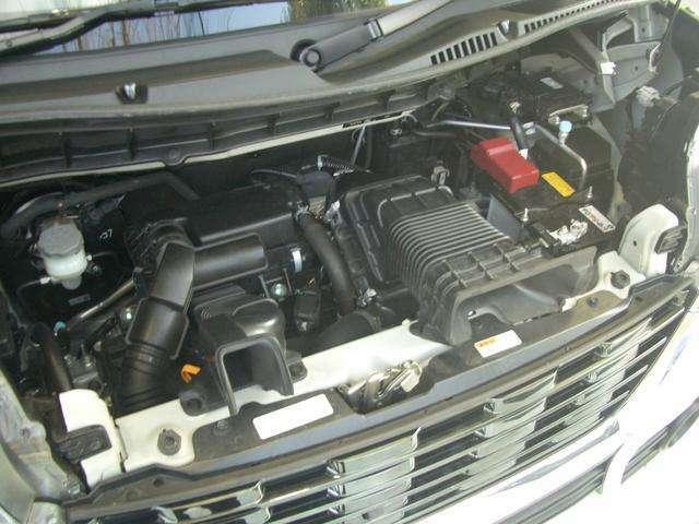 水冷直列3気筒DOHC12バルブICターボ+モーター・JC08モード燃費25.6km/リットル(カタログ参照)