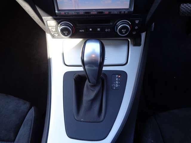 ★マニュアルモード装着車!・・・マニュアルモードシフトでスポーツ走行はもちろん、坂道でのエンジンブレーキ等、安全面でも活躍します!