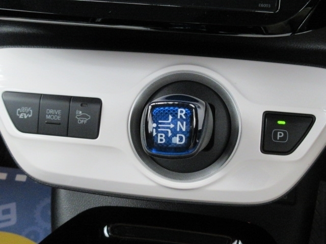 気持ち良く新しいカーライフがスタートできま様、全車、内外装クリーニングを実施しております。