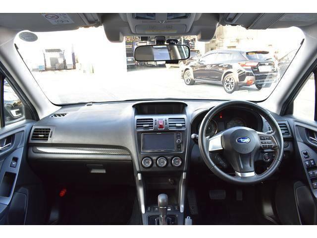 フロントビューは視認性も良く、ドライバーからの目線も高く運転もしやすいです。