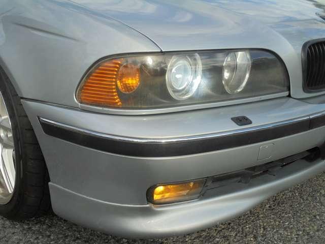 社外ヘッドライト!社外HIDキット装着済みです。イカリングもホワイトに変えております。