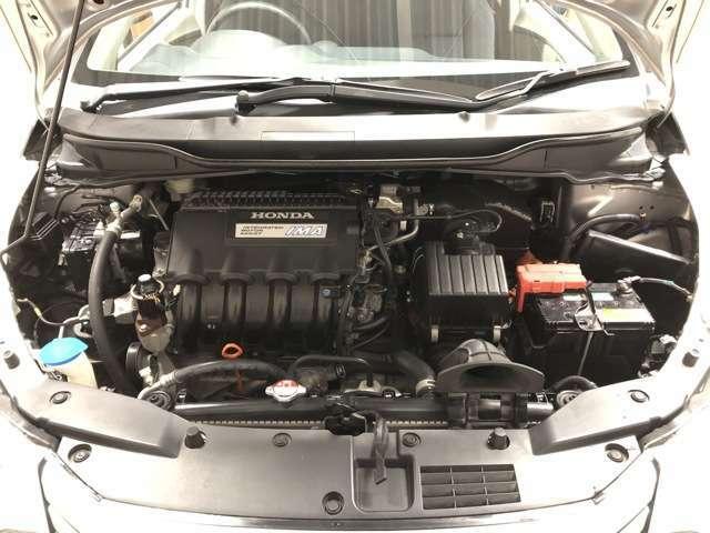 定期点検にてエンジンオイルやブレーキフルードといった油脂類の交換はもちろん、走行距離93,000km時スパークプラグ8本やCVTフルード、走行距離123,900km時タイロッドエンドブーツ交換などの整備が実施されています