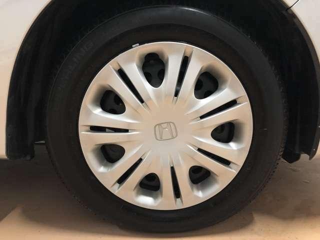 フロント、リアタイヤ共に2018年製及び2019年製の残り山が8~9部山のタイヤが装着されており、ブレーキパッドやブレーキシューといった消耗品も問題ございません。