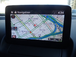 タッチパネルや手元のコマンダーで操作可能なマツダコネクトナビ搭載。