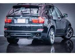 車両入庫時より内外装共に非常にコンディションの良い車両になります。整備歴も正規ディーラーのものが残っており機関も快調です。