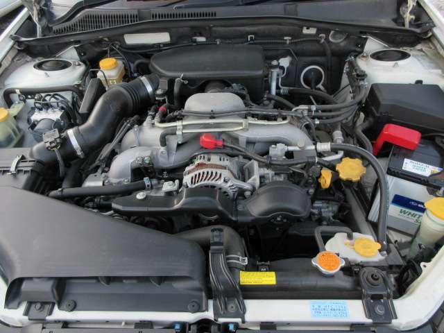 キレイなエンジンルームです♪吹け上がりも良く調子も◎♪機関、電気系、エンジン、ミッション、エアコンも良好に作動いたします♪足回り、エンジン、ミッション異音もございません♪