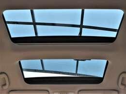 希少メーカーOPのWサンルーフを装備☆車内の換気にとても便利で採光性にも優れていますしなにより開放感と高級感がありますね☆後付けできない装備ですのでぜひ装着車をお勧めいたします☆