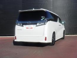 トヨタの「ロングラン保証」。メーカーを問わず、走行距離無制限、埼玉トヨタで中古車をお買い上げいただいたお客様に安心で快適なカーライフカーライフをお約束する1年間の保証です。有料で延長もできます。
