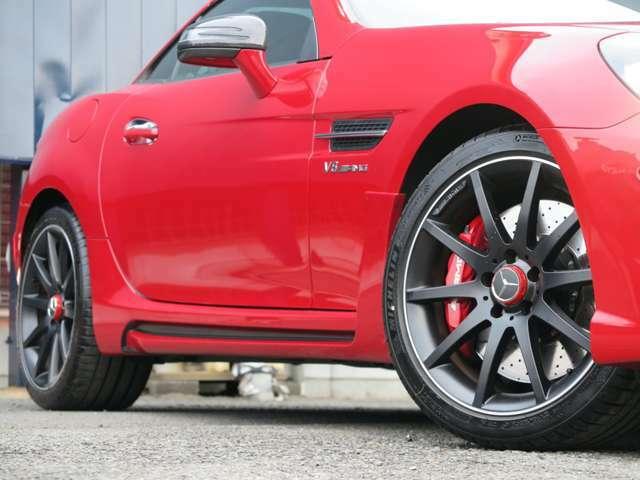 【純正アルミホイール】マットブラック/ポリッシュ18インチAMGマルチスポークアルミ・ミシュランPilot Sports 4を装着。