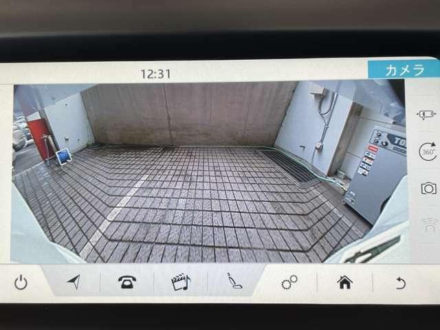 3Dサラウンドカメラ装備。リヤビューカメラなど後方確認も容易です