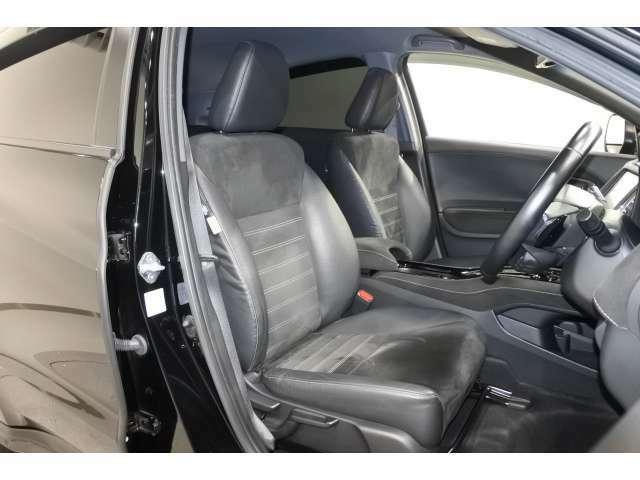 運転席からは、開放感のある視界があり、運転席のアイポイントも高いので、女性の方でも運転がすごくしやすいですよ♪