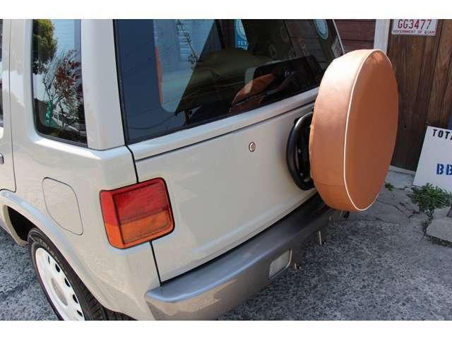 ★当社オリジナルの新品背面タイヤカバー装着にて御納車させて頂きます。★