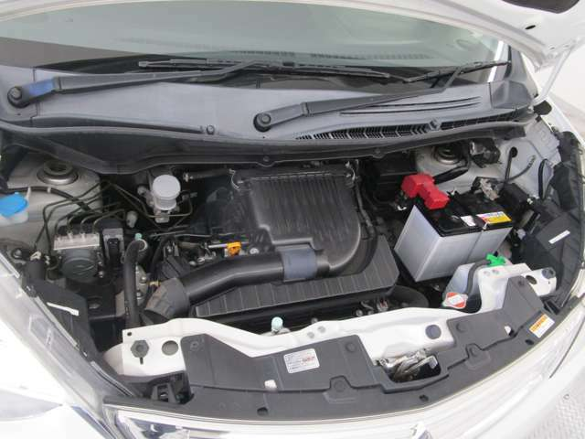 1.2L 4気筒 DOHC(可変バルブタイミング機構付き)の低燃費エンジンと、動力伝達効率に優れるCVT