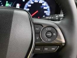 レーダークルーズコントロール作動時に車線維持に必要な運転操作の支援を行う新機能「レーントレーシングアシスト(LTA)」を搭載しています。