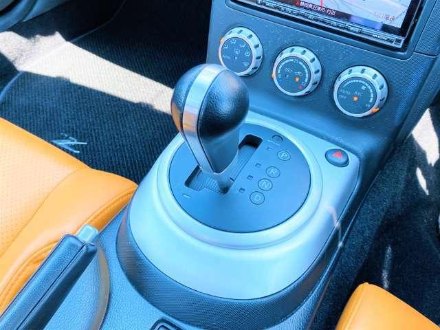★こういったカスタムされた車両でATというのは非常に珍しいと思います。MTならではの魅力もありますが、ATであれば、劇中車に近いこれだけの仕様のお車を気軽に乗れるといった魅力もございますね!★