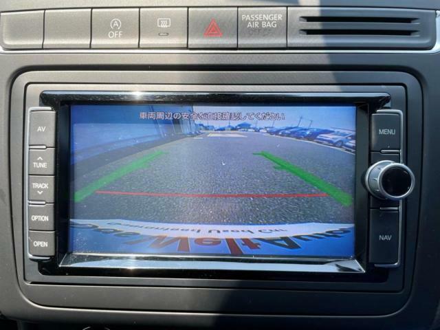リヤカメラの映像をナビゲーション画面に表示する事で安全にバック駐車が出来ます。