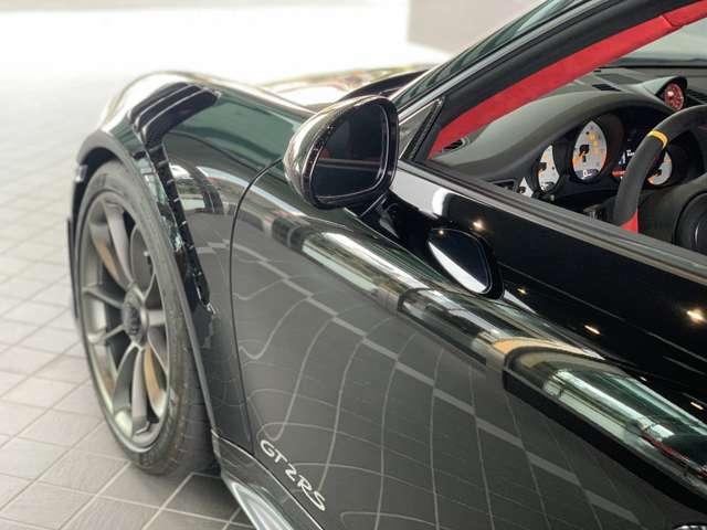 カーボン製フロントフェンダースポーツデザインミラートリムブラック(ハイグロス)