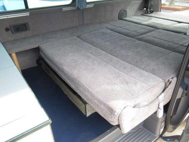 ダイネットベットは約183×140のサイズです!2名様就寝可能です♪