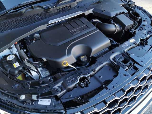 200hpを発揮する2L INGINIUMエンジンに電子制御9速オートマチックトランスミッションを組み合わせ。