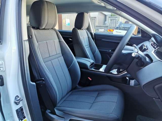 運転席・助手席、そして後席も一切の使用感はございません!