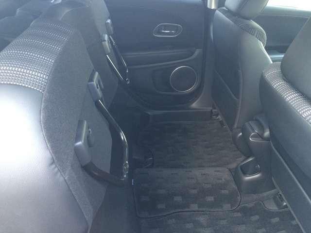 後部座席をあげれば背丈のあるものも乗せることができます!