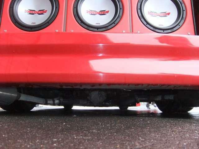 THUNDER MTXオーディオ・SESSIONSマフラー・ウッドコンビパネル・ワイドミラー・ワンオフエアロ・オーバーフェンダー・社外19インチAW・カロッツェリアHDDナビ他改造多数!