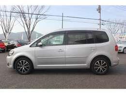 VWは小さな車も、大きな車も、平等にクラスによって品質や安全性に差を付けない。ボディ剛性と精度、重厚なドアの音はどの車種にも。