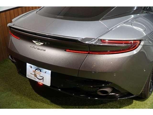 ■アストンマーティン社長兼経営責任者(CEO)のアンディ・パーマー氏のサインがエンジンに書き込まれるなどの限定車!! お気軽にお問合せ下さい→03(5432)7666