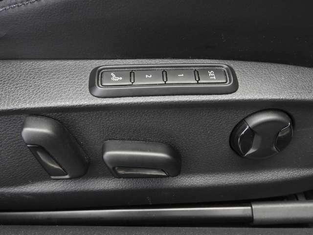 ☆運転席にはシートマッサージ機能を装備。長時間のドライビングをより快適にします☆