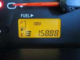 低走行15,890キロ☆機関状態良好◎これからの車です!もちろん新車時保証書・点検整備記録簿付きで安心の厳選車両☆☆☆お買得な一台で早い物勝ちです♪