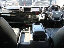 未登録新車ハイエースワゴン ファインテックツアラー 2.7ガソリン 4WD パーキングアシスト搭載! ワゴンでは唯一の5ドアで乗り降りもしやすく使い勝手も良好です!