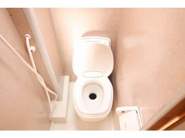 カセットトイレ付!※温水ボイラーは付いておりません。
