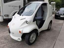 法人1オーナー!リアボックス付!100Vで充電できます!ホワイト!このまま乗るもよし、ペイントするもよし!あなた色にそめてあげてください!