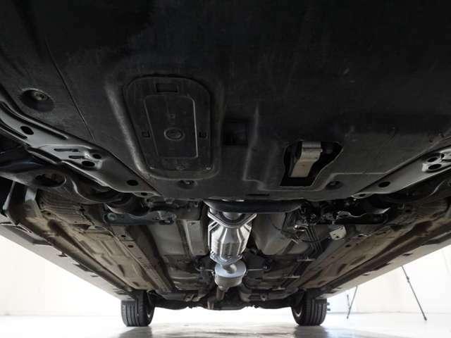 関東仕入れのため、東北の車輌に比べサビの進行が遅く、状態良好です!防錆塗装を続けていけば、綺麗な状態を維持できます!