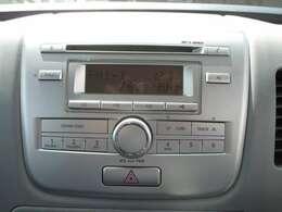 純正AM/FMラジオ&CDプレーヤーになります。