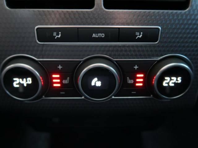 エアコンの温度調節など独立設定可能な4ゾーンエアコンです。