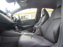 ドライバーのかたと助手席のかたが座るシートです。実際お座りいただくのが、より分かりやすいと思います。お気軽にご来店ください!
