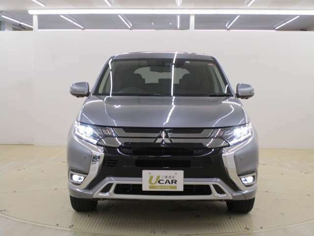 LEDヘッドライト LEDフォグランプ装備 V2H対応 電気自動車ベースのハイブリッド