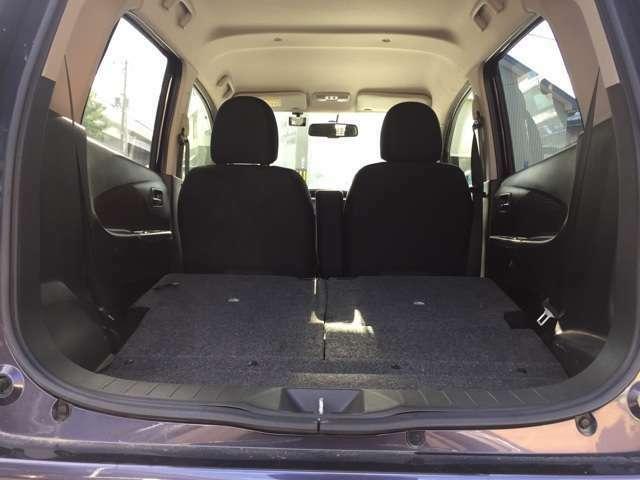ラゲッジスペースも広々!シートは折りたたみ可能です!プライベートにお仕事にも使えますよね!この空間はお車により様々です、是非色々なお車と比較・対象してみて下さい。使いやすさに自信があります!