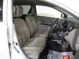 ゆったりとした姿勢で、運転して頂ける空間を、確保しております(^^♪