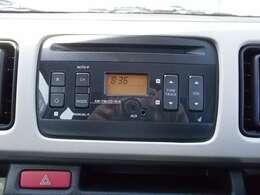 純正AM/FMラジオ付CDプレーヤーです。