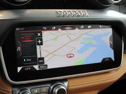 メーカーオプションナビ装備。タッチスクリーンで操作も簡単です。BluetoothやUSBも付いております。