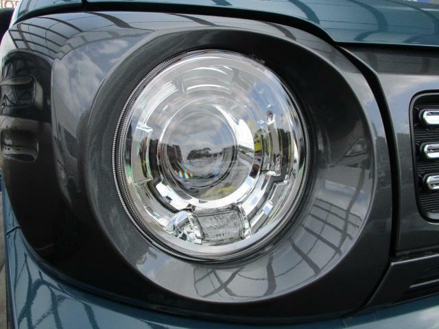 夜道も明るく照らすLEDヘッドランプ☆フォグランプ装備★