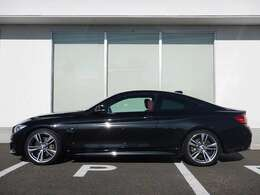 BMW Approved Cars 1年間走行距離無制限保証、安心もBMWクオリティ。BMWを熟知したメカニックによる100項目の納車前点検。交換基準に達した部品があれば、BMW純正部品だけを使用し整備した後にお引渡しします。