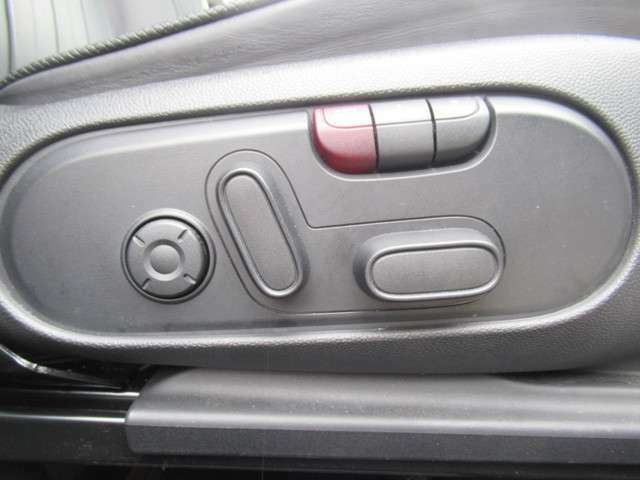 自宅にいながら車両の御確認ができます。お客様へ車両の詳細画像をお届け出来ます。お気軽にお申し付け下さいませ。