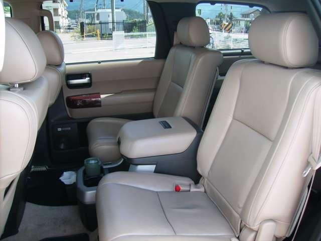 ゆたっりとした車内で快適なドライブをお楽しみいただけます!